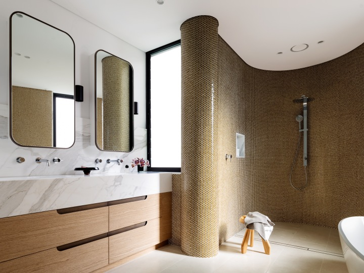 Decus-Interiors-Tamarama-design-Sydney-curved-bathroom